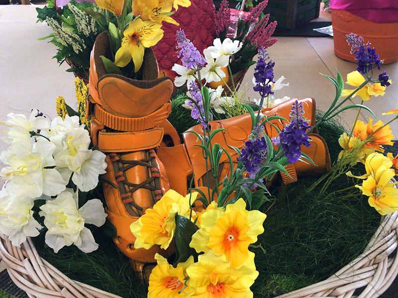 Dekoration mit Blumen für Schuhe