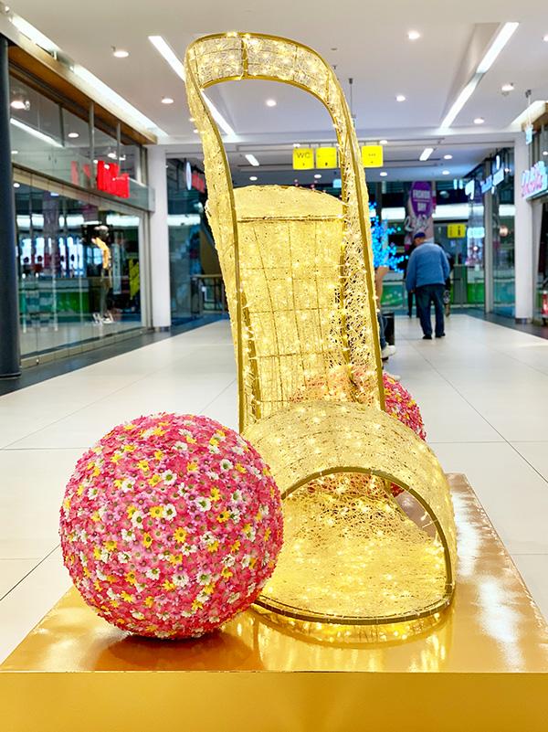 LED Pump Damenschuh mit Blumenball