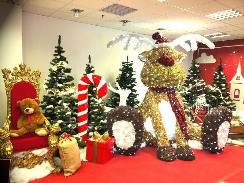 LED Rudolph in Weihnachtsdeko als Fotopoint
