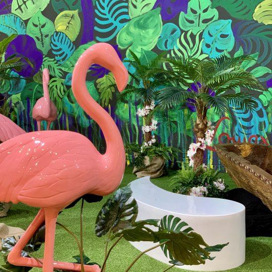 Dschungelthema mit Flamingos