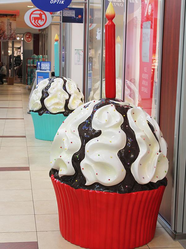 Geburtstag im Center mit Cupcakes in XXL