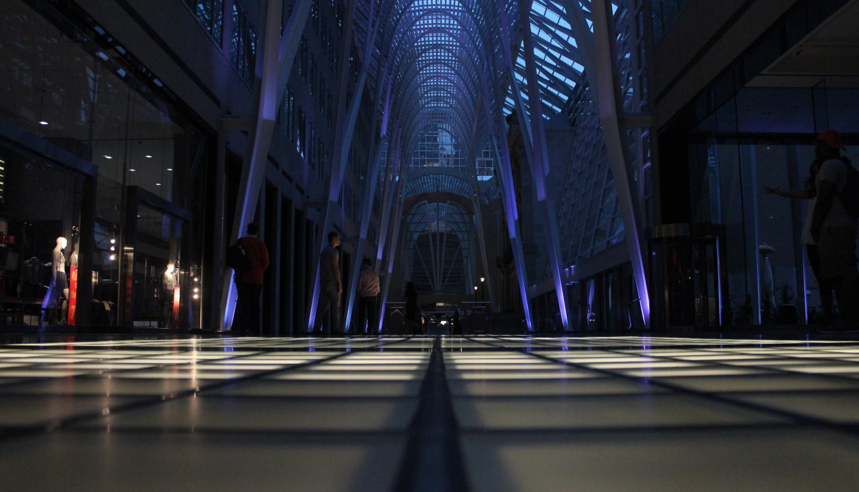 beeindruckende Kulisse einer riesigen Mall