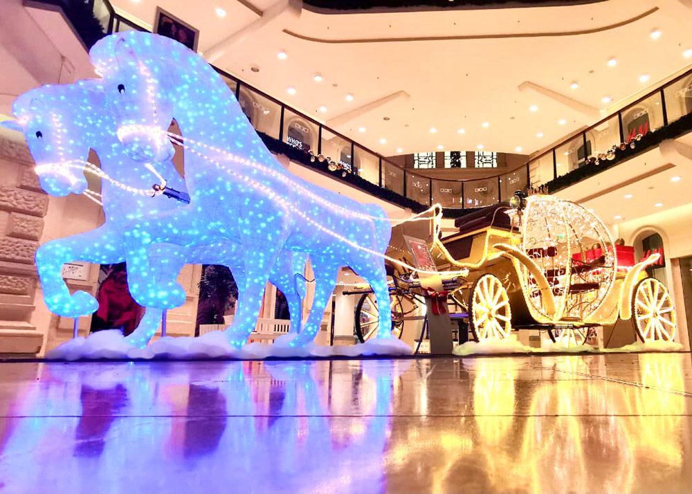 LED Pferde und LED Märchenkutsche - Weihnachtsdekoration